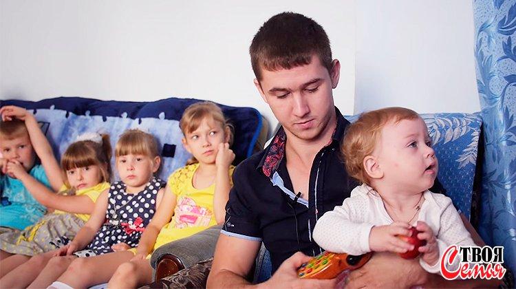 Изображение для статьи — Как показать своим детям, что вы любите их одинаково?