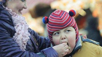 Изображение для статьи — Что такое гиперопека, и какое влияние она оказывает на ребенка?