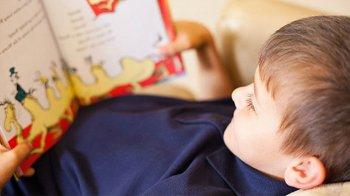 Изображение для статьи — Как правильно научить ребенка читать на английском языке?